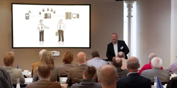 OCS GmbH: Das Verkaufsgespräch in der Hosentasche